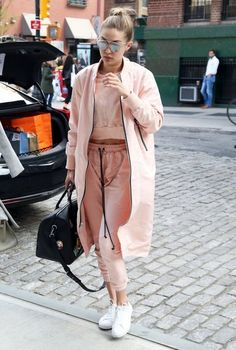 Gigi Hadid Photos - Gigi Hadid Steps Out in NYC With Her Mother Yolanda Foster - Zimbio