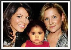 Sofia Robbins Sloan Torres, Arizona Robbins and Callie Torres (Jessica Capshaw & Sara Ramirez) Greys Anatomy Callie, Greys Anatomy Cast, Calliope Torres, Greys Anatomy Characters, Grey's Anatomy Tv Show, Jessica Capshaw, Arizona Robbins, Hollywood Music, First Boyfriend
