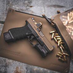 RAE Magazine Speedloaders will save you! Glock Guns, Weapons Guns, Guns And Ammo, Tactical Pistol, Tactical Gear, Tactical Survival, Armas Wallpaper, Rifle, Shooting Guns