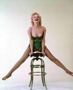Body vert et noir à paillettes de 'Bus Stop' - Divine Marilyn Monroe