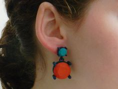 Amazing: these colorful earrings are crafted with a 3D printer.