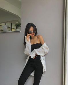 Korean Girl Fashion, Korean Street Fashion, Ulzzang Fashion, Asian Fashion, Kpop Fashion Outfits, Korean Outfits, Mode Outfits, Looks Chic, Cute Casual Outfits