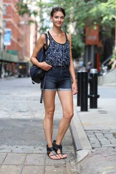 NYC Street Style - New York Street Style Pictures - ELLE