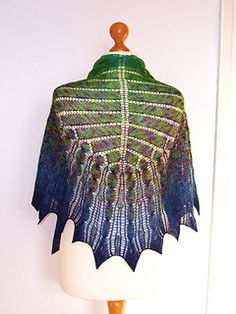Ravelry: 2Hundert pattern by Sue Berg