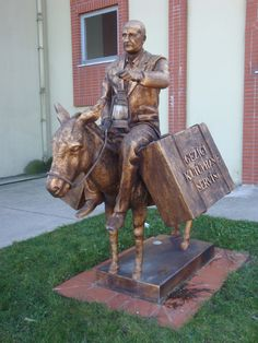 Statue on grounds of Maltepe University commemorates the man who brought the mobile library to Cappadocia, Turkey