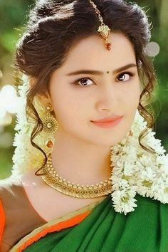 Beautiful Girl In India, Beautiful Blonde Girl, Beautiful Girl Photo, Beautiful Muslim Women, Most Beautiful Bollywood Actress, Beautiful Actresses, Beautiful Girl Hd Wallpaper, Dehati Girl Photo, Stylish Girl Images