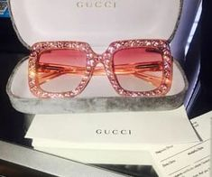 accessories, gucci, and sunglasses image Sunglasses For Your Face Shape, Cute Sunglasses, Sunglasses Women, Gucci Sunglasses, Summer Sunglasses, Cute Jewelry, Jewelry Accessories, Fashion Accessories, Fashion Clothes