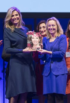 Queen Maxima Photos Photos - Queen Maxima of The Netherlands (L) wearing a dress…