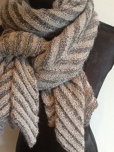 Ravelry: Juliehopsasa's scarf No. 5 - Mariane Isager