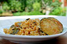Ρύζι με λαχανικά και τυρί Greek Recipes, Risotto, Main Dishes, Ethnic Recipes, Food, Gastronomia, Main Course Dishes, Entrees, Meals