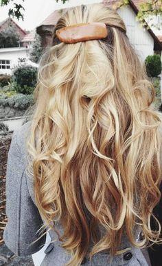 half pony + big barrettes + long blonde curls | everyday hair ideas | easy hair ideas