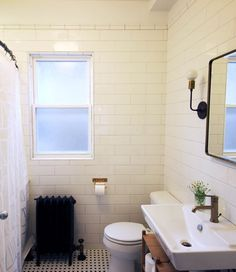 Best Interior Restoration Honorable Mention — Tara Shade & Michael Menelli http://www.chicagobungalow.org/design-inspiration/driehaus-awards/driehaus-gallery-shade