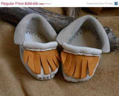 ON SALE Handmade Baby Moccasins Handsewn by FaeMoonWolfDesigns, $22.50