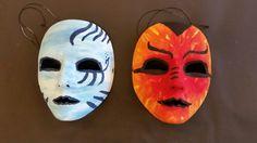 Maskers maken Rock Art, Painted Rocks, Mask Ideas, Dolls, Halloween, Stones, Painting, Sewing, School