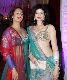 Kashmera Shah and Pooja Batra at wedding reception of photographer Munna. #Bollywood #Fashion #Style #Beauty #Hot #Sexy #Ethnic