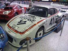 Porsche 935 O carro de corrida mais poderoso do Gr.5, o Porsche 935 era o vencedor absoluto na primeira metade da década de 1980. Segundo reza a lenda, durante um teste coletivo em Paul Ricard, com carros de Fórmula 1 e os Grupo 5, o 935 era tão rápido que passava os F1 em plena Mistral