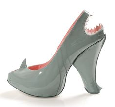 Shark Shoes (women will love these heels) lol Creative Shoes, Unique Shoes, Crazy Shoes, Me Too Shoes, Weird Shoes, Shark Shoes, Funny Shoes, Zapatos Shoes, Shoes Heels