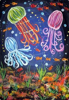 Хочу предложить вам нарисовать вот таких прелестных созданий - медуз. Мы рисовали их с детьми 5-6 лет, результат их работы будет в конце МК. Нам понадобится: бумага А3, гуашь, диск компьютерный (можно его заменить на кусочек оргстекла), кисть щетина круглая №7, кисти пони №3, 5, 7/9, и хорошее настроение. фото 1