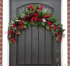 Etsy の Christmas Swag Arch Wreath-Winter by AnExtraordinaryGift