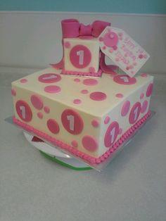 1st Birthday cake www.bakingmemories.net