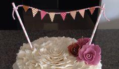 Banderías en el pastel