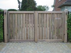 De afgelopen twintig jaar plaatsten wij duizenden zelfgemaakte houten poorten. We tonen u graag een selectie van realisaties.