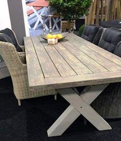 Stół biesiadny MARINA ogrodowy wykonany z drewna akacjowego. W kolorze biało szarym.  http://domotto.redcart.pl/p/31/3535/stol-drewniany-marina-stoly-drewniane-meble-do-ogrodu.html