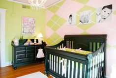 I love this wall and plan to attempt it in Reagan's big girl room.