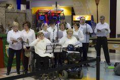 La Asociación Avanzar de Alcoy nos ha ofrecido su tradicional concierto de #Villancicos #navidad Move Forward, Shopping Center, Concert, Traditional, Navidad