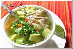Caldo de pollo con verduras y arroz