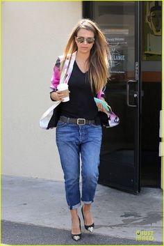Celeb Diary: Jessica Alba @ Honest Company in Los Angeles