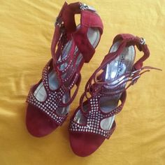 High heels Good condition ..burgandy .with silver Anne Michelle Shoes Heels
