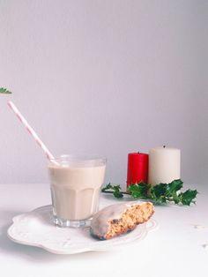 Les lebkuchen sont des petits pains d'épices glacés de sucre et d'une base au chocolat. D'origines allemande, on les retrouve sur les marchés de noël alsacien en même temps que les fameux bredele. ...