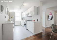65 awesome kitchens with white appliances. Big, medium-sized and small kitchen examples showcasing white appliances such as white refrigerator, oven, dishwasher and/or microwave. White Ikea Kitchen, White Kitchen Appliances, Kitchen And Bath, Kitchen Cabinets, Kitchen Reno, Kitchen Ideas, Condo Kitchen, White Cabinets, Kitchen New York