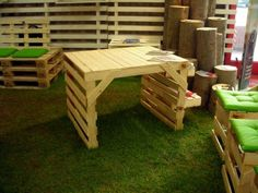 Garden recycled pallet furniture