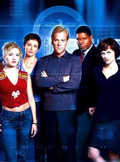 Season 1 Cast Photo!!!!! 3 of those people are still leads afterwards..........