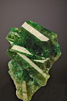 Vesuvianite ✏✏✏✏✏✏✏✏✏✏✏✏✏✏✏✏ IDEE CADEAU / CUTE GIFT IDEA  ☞ http://gabyfeeriefr.tumblr.com/archive ✏✏✏✏✏✏✏✏✏✏✏✏✏✏✏✏