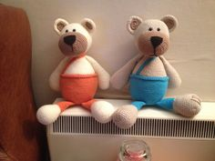 Pattern by stip en haak. Love these bears