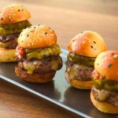 Wolfgang Pucks Mini Prime Cheeseburgers
