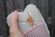 "Deko-Herz ""Bambi"" Kreuzstich Bambi, Cross Stitch Embroidery, Christmas Ornaments, Christmas Ideas, Needlepoint, Needlework, Coin Purse, Plush, Tapestry"