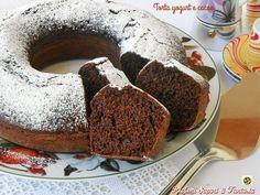 La torta yogurt e cacao nella sua semplicità è un dolce buonissimo adatto dalla colazione in poi. Soffice e goloso è privo di burro perciò anche leggero.