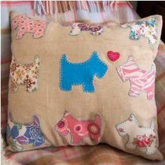 Free pattern: Scottie dog appliqued throw pillow · Sewing | CraftGossip.com