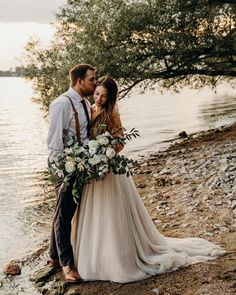 This Emotional Ontario Wedding at Home Uses Greenery Decor in the Most Epic Ways Miami Wedding Venues, Colorado Wedding Venues, Lake Tahoe Weddings, Luxury Wedding Venues, Toronto Wedding, Wedding Photography Poses, Wedding Photography Inspiration, Wedding Poses, Photography Ideas