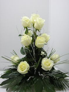 Flower Ball Centerpiece, Basket Flower Arrangements, Creative Flower Arrangements, Altar Flowers, Funeral Flower Arrangements, Church Flowers, Beautiful Flower Arrangements, Funeral Flowers, Floral Arrangements