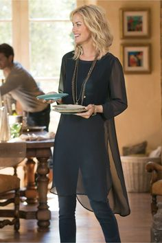 The essence of casual elegance, our sheer chiffon tunic floats over a soft knit tank lining to a side-slit dropped-tail hem. Misses long. Fall Fashion Outfits, Casual Fall Outfits, Mode Outfits, Look Fashion, Winter Work Fashion, Navy Blazer Outfits, Over 40 Outfits, Fashion Dresses, Fashion Trends