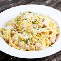 What to consider if you want to buy the best pasta machine you can for the money. Pasta Carbonara, Pasta Recipes, Cooking Recipes, Healthy Recipes, Pasta Machine, Pasta Maker, One Pot Pasta, Food Inspiration, Italian Recipes