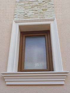 Ancadramente Ferestre Fence Wall Design, Window Design, Classic House Design, House Front Design, Architectural Design House Plans, Architectural Elements, Exterior Window Molding, Archways In Homes, Bungalow Homes