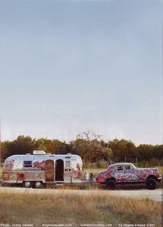 The famous Magnolia Pearl with their painted Airstream and vintage car that pulls it. They sell their clothes out of the Airstream at places like Round Top. Airstream Vintage, Vintage Campers Trailers, Retro Campers, Airstream Trailers, Classic Trailers, Travel Trailers, Happy Campers, Magnolia Pearl, Glamping