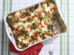 65 Christmas Dinner Recipes You Need to Try This Holiday Season: Italian Casserole Recipe Tex Mex, Air Fryer Recipes, Italian Casserole, Christmas Casserole, Spaghetti With Spinach, Spaghetti Squash, Ranch Chicken Recipes, How To Cook Sausage, Casserole Recipes