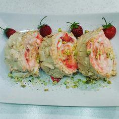 Меренговый фисташковый рулет с маскарпоне и малиной рецепт – выпечка и десерты. «Еда»